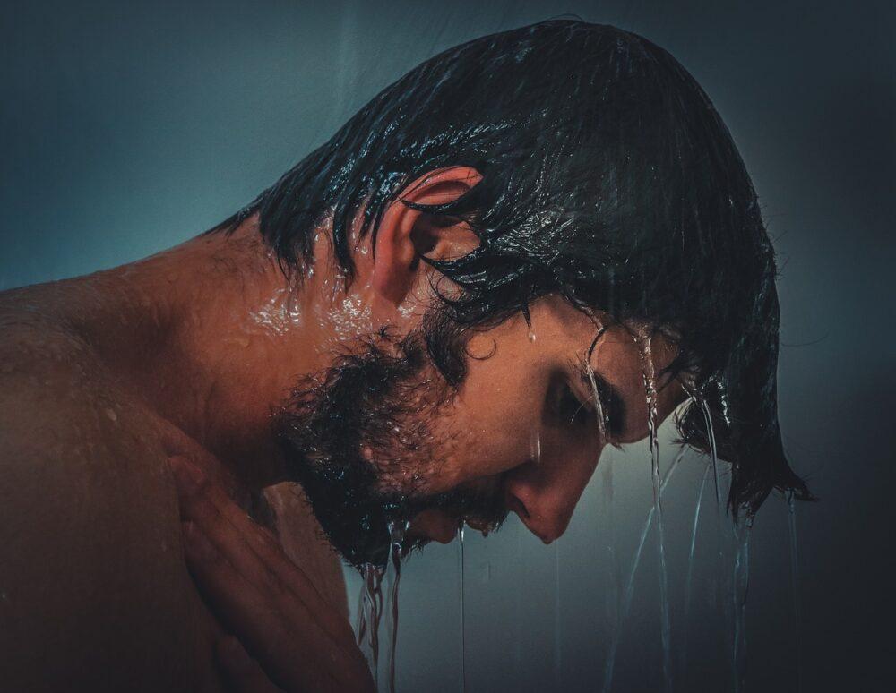 チンコが乾燥してひび割れしてるのは男性カンジダ性亀頭包皮炎かも!軽く洗いましょう!