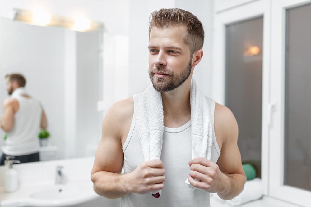 無理せずに根気良くちんかすを優しく取る!これがちんかすの正しいとり方で、男性カンジダ性亀頭包皮炎を防ぎます