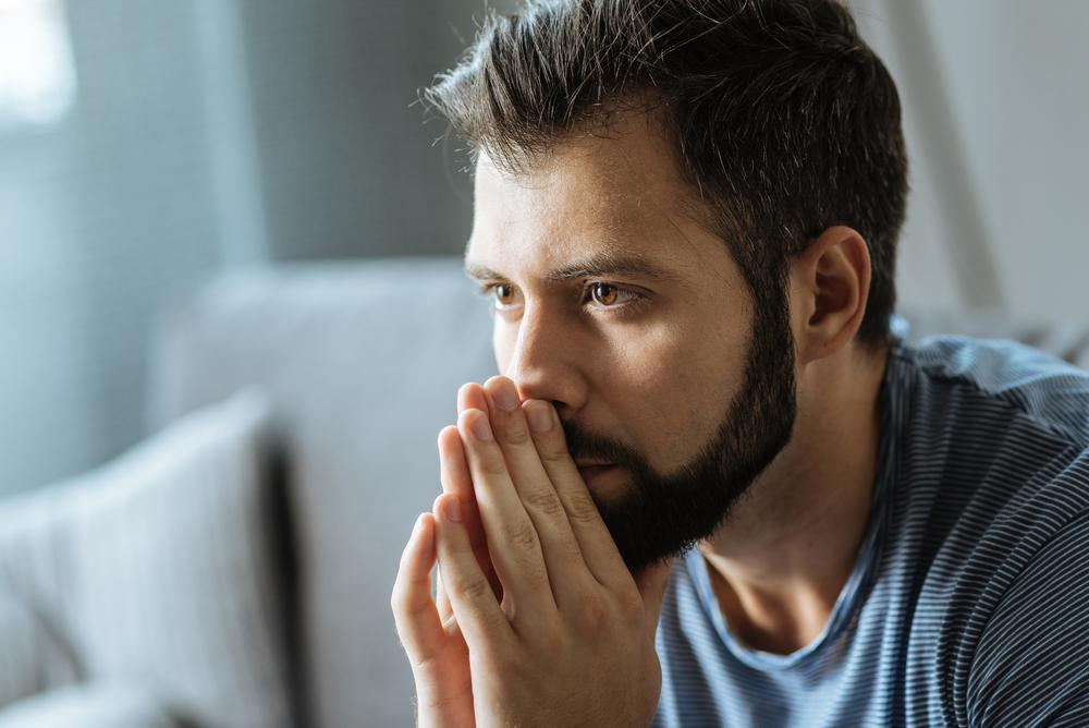 陰茎や包皮が横に切れるのは包茎だから?包茎は男性カンジダ性亀頭包皮炎になりやすくなります
